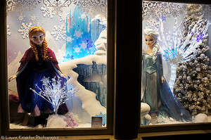 Disneyland Paris Anna and Elsa