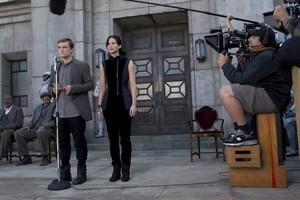 Josh Hutcherson & Jennifer Lawrence behind the scenes of Catching Fire