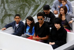 Royal Jackson, Blanket Jackson, Donte Jackson and Paris Jackson at Disneyland June 2013