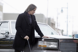 Mr. Gold- 2x21- Second Star to the Right