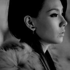 2NE1 Missing you icon
