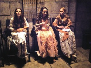 Reign Cast - Behind The Scenes