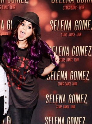Selena at her Meet and Greet