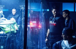 Almost Human - Episode 1.06 - Arrhythmia - Promotional foto's