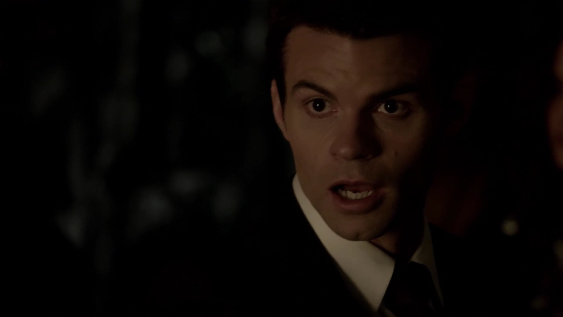how tall is elijah mikaelson
