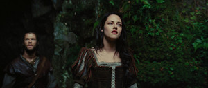 Snow White and the Huntsman huy hiệu