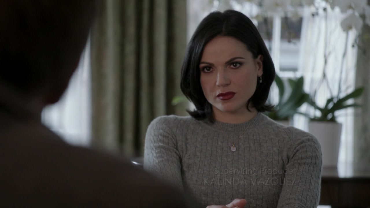 http://images6.fanpop.com/image/photos/36200000/The-Evil-Queen-Regina-Mills-image-the-evil-queen-regina-mills-36241325-1280-720.jpg