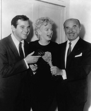 1/03/1956 The Warner Bros Key-marilyn monroe and milton greene
