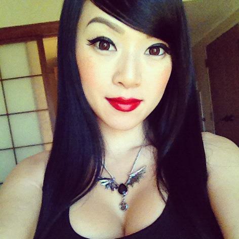 Vampy Bit Me aka Linda Le in black tank top necklace 2 - Vampy Bit Me Photo (36784769) - Fanpop