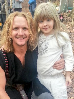 Mikael and Little Rebekah behind the scenes of The Originals 1x16