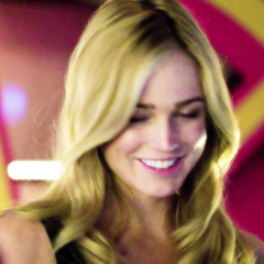 Arrow (Sara Lance/Canary)