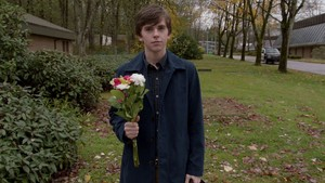 Norman Bates (Bates Motel) Screencaps