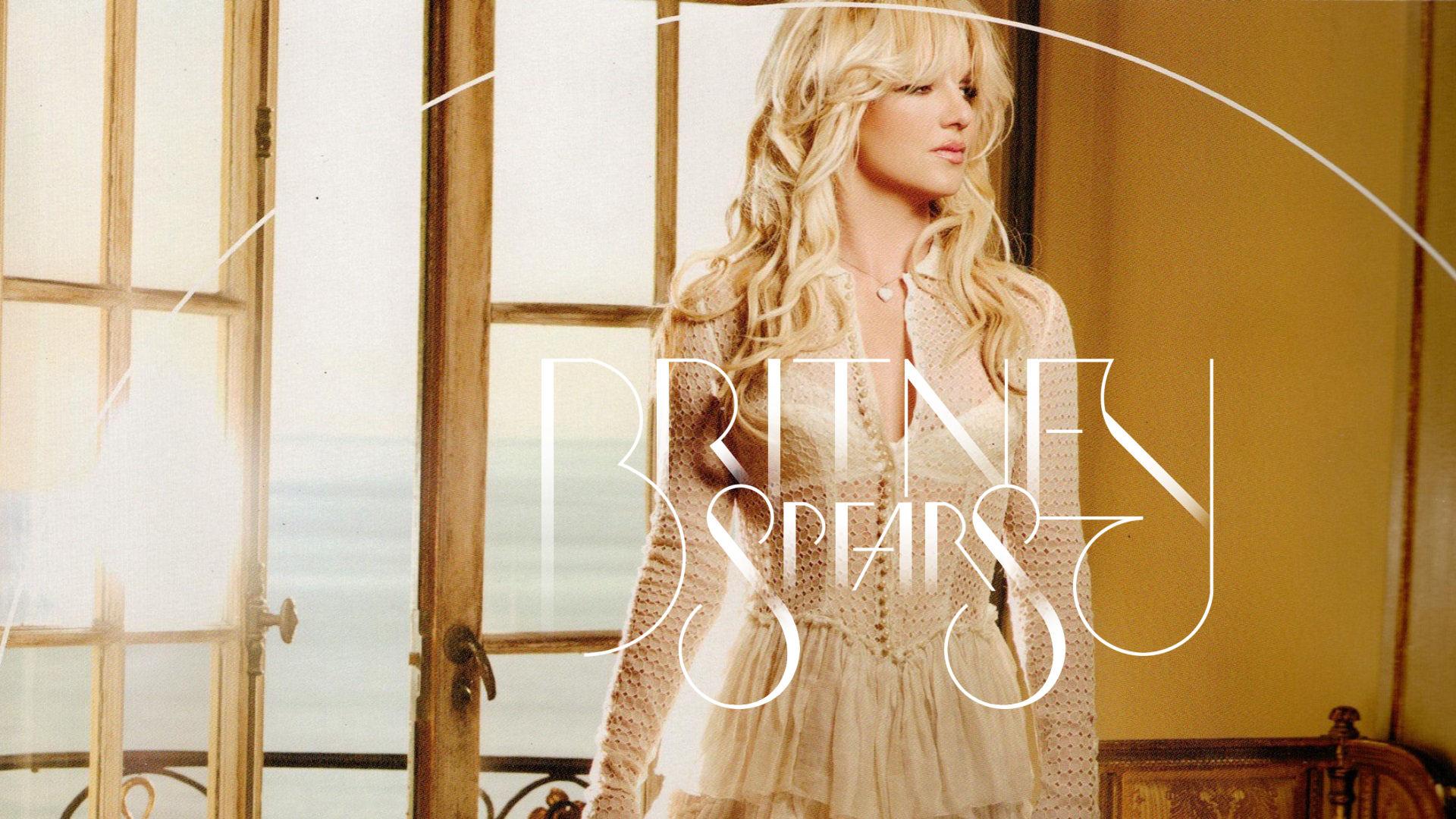 Britney-Spears-Femme-Fatale-britney-spea