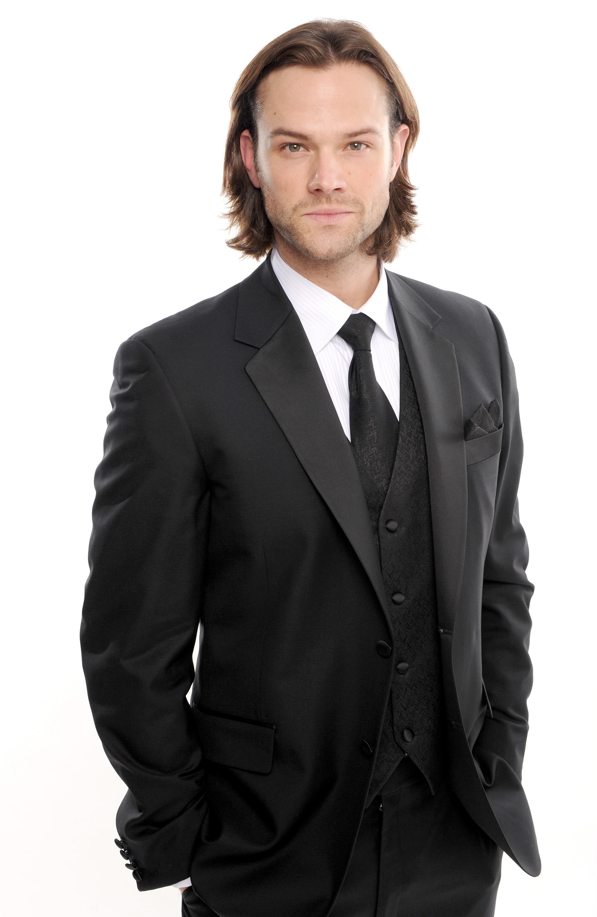 http://images6.fanpop.com/image/photos/37200000/19th-Annual-Critic-s-Choice-Awards-Portrait-Session-jared-padalecki-and-jensen-ackles-37244040-1954-3000.jpg