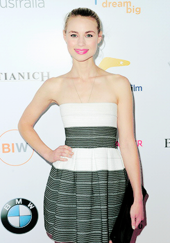 Lucy Fry at the Australians In Film's Heath Ledger Scholarship ディナー