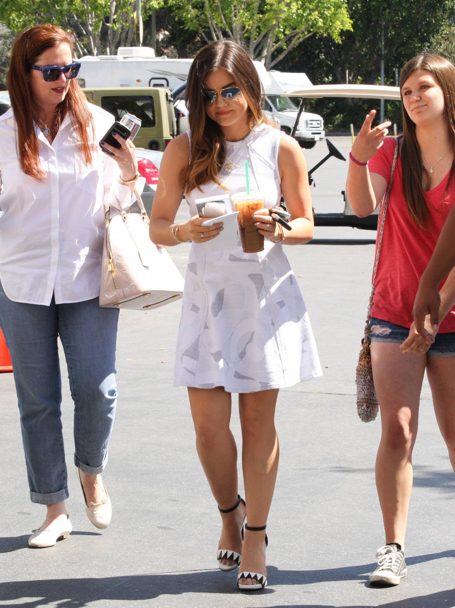 Lucy on the set of Extra in Universal City - May 14th
