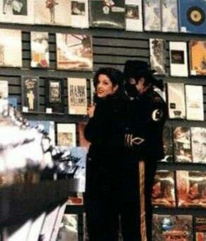 Michael And First Wife Lisa Marie Presley, In Memphis, Tennessee Back In 1994