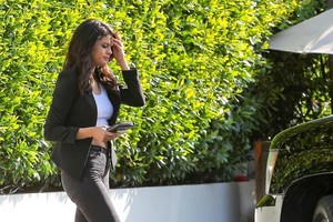 Selena going to lunch at Cecconi's restaurant in West Hollywood, California (June 18)