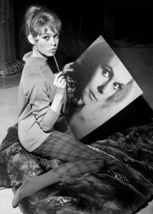 Elizabeth Montgomery. A magic portrait…