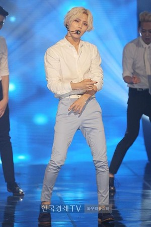 140820 Taemin Ace Performance @ MBC onyesha Champion