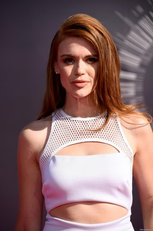 Holland attends 2014 MTV Video Music Awards