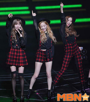 TTS 'Holler' Comeback Showcase