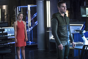 "Arrow 3.2 ""Sara"" Official Preview Images"