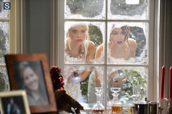 Pretty Little Liars - Episode 5.13 - How the A Stole Christmas - First Look Promotional Photos