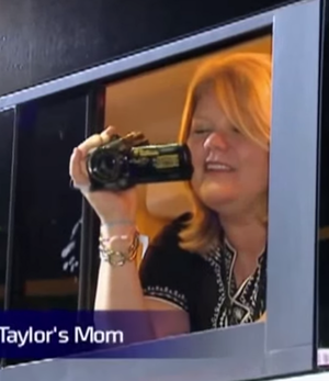 taylor's mother