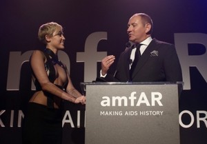 amfAR LA Inspiration Gala in Hollywood - دکھائیں (October 29th, 2014)