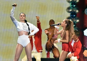 Ariana Grande and Jessie J performing on halik FM'S Jingle Ball in Los Angeles