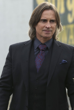 Mr. Gold- 3x11- Going Home