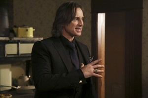Mr. Gold- 3x18- Bleeding Through