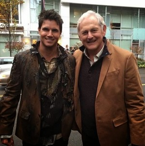 The Flash - BTS Photo of Firestorm; Victor Garber & Robbie Amell