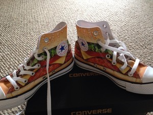 Hamburger Converse?