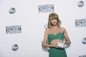 Taylor সত্বর At AMAS