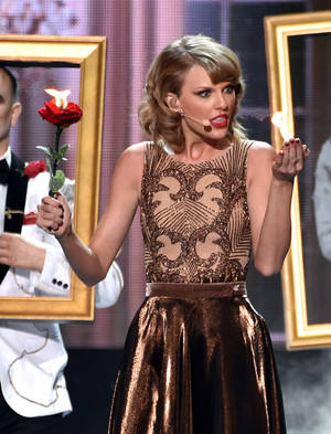 Taylor সত্বর Performance At AMAS