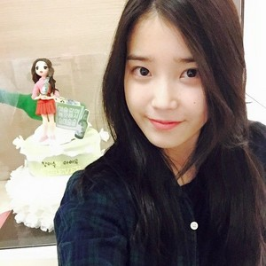 150314 IU Instagram Update Chamisul hurray