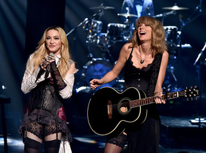 "Madonna performing ""Ghosttown"" with Taylor snel, swift"