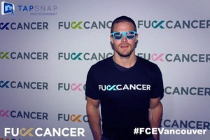 Stephen Amell Fuck Cancer