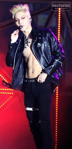 Taemin's abs and blonde hair