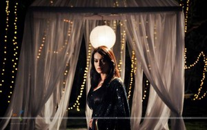 surbhi-jyoti-in-black-saree
