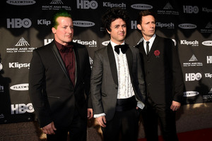 Green Day Arriving @ the 30th Annual Rock And Roll Hall Of Fame Induction Ceremony