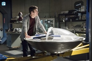 The Flash - Episode 1.23 - Fast Enough - Promo Pics