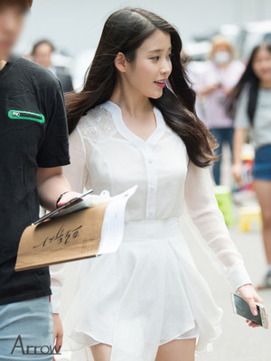 150609 IU after work for 'Producer' filming