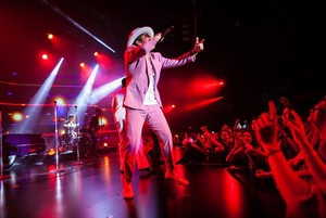Bruno performing at the यूट्यूब Brandcast