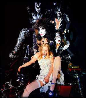 Kiss (w/Star Stowe) NYC, April 9, 1976