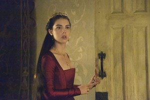 "Reign ""The 子羊, ラム and the Slaughter"" (2x04) promotional picture"