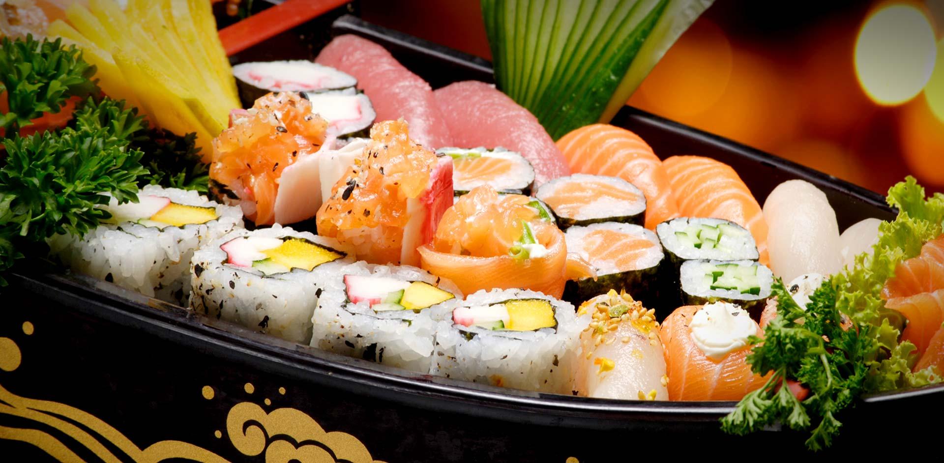 http://images6.fanpop.com/image/photos/38800000/-Beautiful-Sushi-sushi-38873156-1920-942.jpg