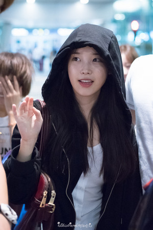 150907 IU at Incheon Airport Returning from Hong Kong
